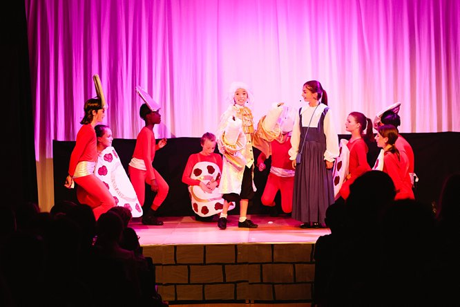 Cathedral School Play July 2017-119