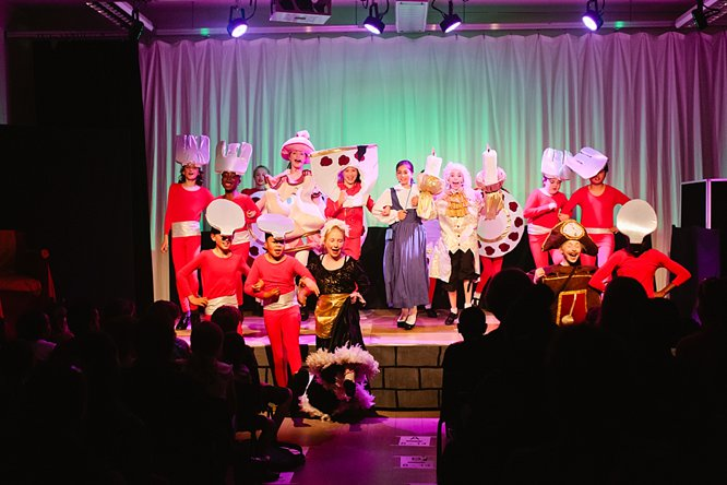 Cathedral School Play July 2017-125