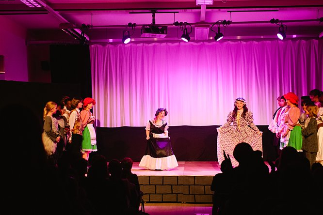 Cathedral School Play July 2017-185