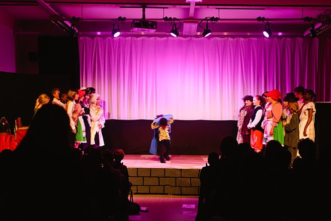 Cathedral School Play July 2017-189