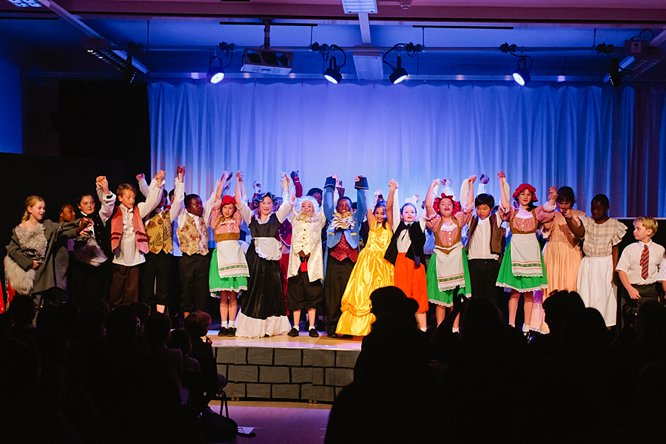 Cathedral School Play July 2017-193